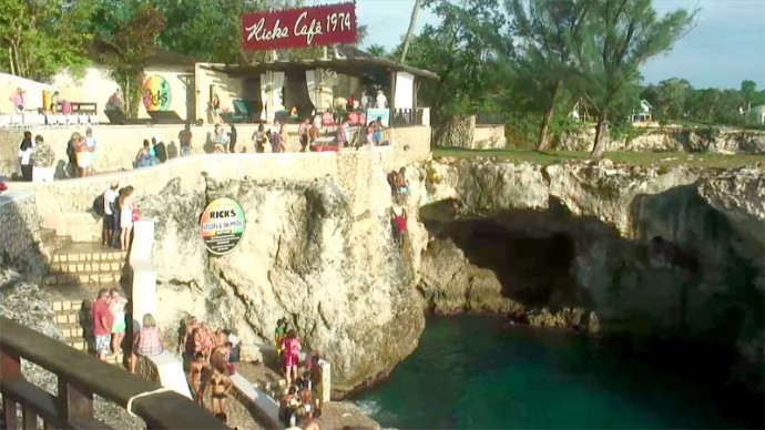 Online webcam in Jamaica from Rick's Cafe.